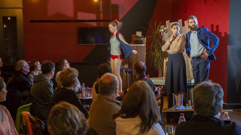 La compagnie Frakt' a su captiver le public du Théâtre de Valère qui avait faim de culture.