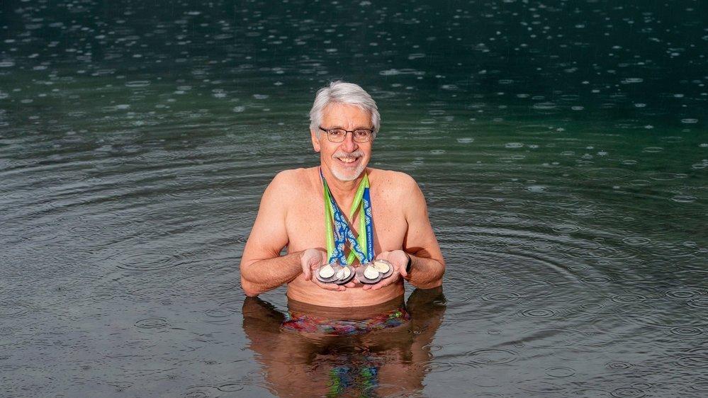 Gaëtan Beysard, quatre titres mondiaux en eau froide, s'entraîne régulièrement aux Iles, en hiver.