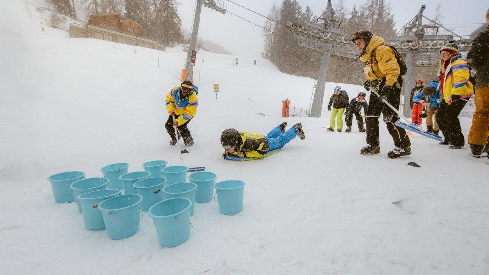 Cette semaine à Veysonnaz, 600 jeunes Belges, pour la plupart étudiants, participaient à l'un de ces camps de neige à petit prix. Au cœur du concept: la fête.