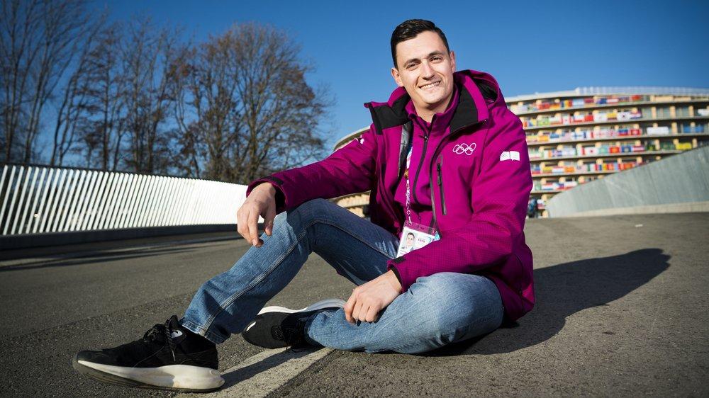 Adrien Sierro fréquente quotidiennement le village des athlètes des Jeux olympiques de la jeunesse de Lausanne.