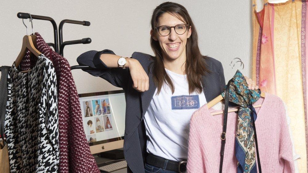 Sur sa plateforme en ligne, Aline Mettan éclaire sur les labels, les matières et les enjeux de l'industrie de la mode. Elle partage aussi ses bons plans pour s'habiller éthique en restant chic.