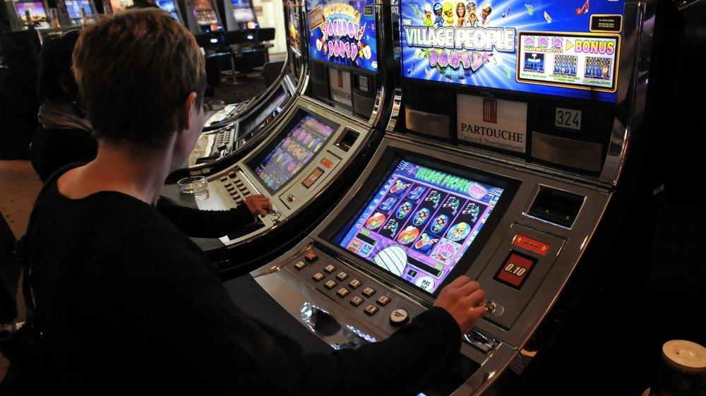 Grâce à un logiciel malveillant, la bande était parvenue à augmenter le nombre de jeux gagnants sur certaines machines à sous.