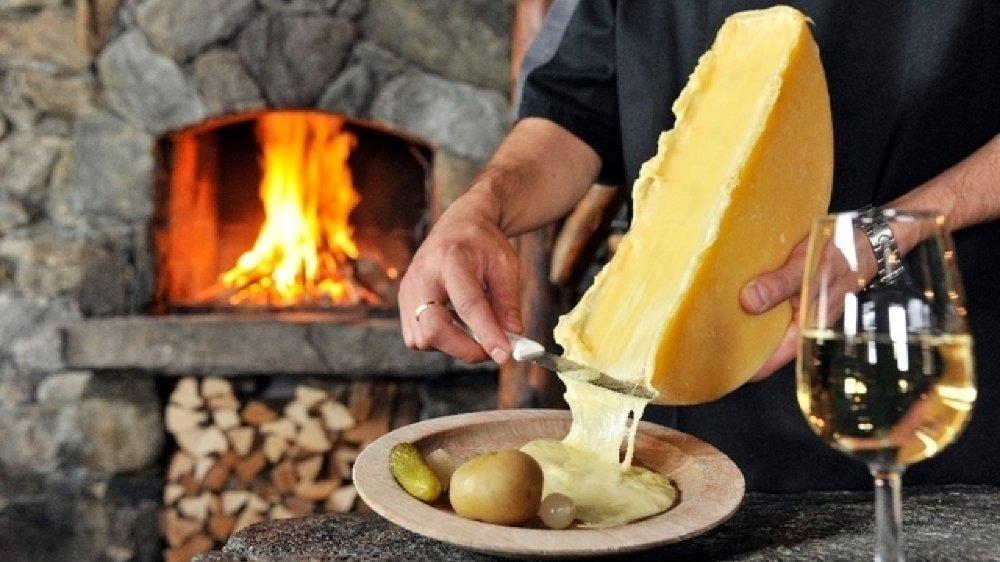 Seuls les fromages ayant obtenu 18 points sur un maximum de 20 peuvent être commercialisés avec l'appellation d'origine protégée Raclette du Valais AOP.