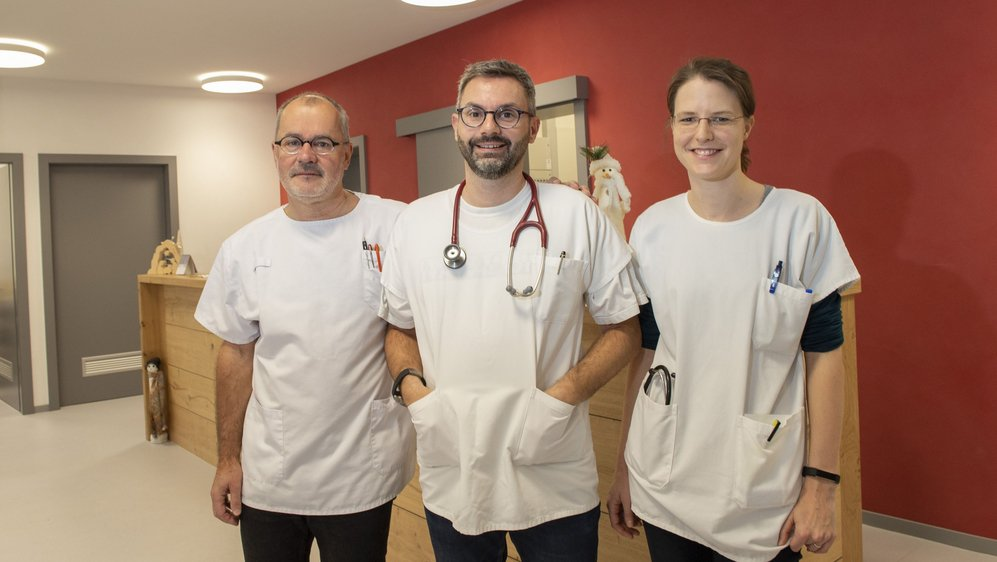 Les Dr Jean-Olivier Praz, Laurent Praz et Stéphanie Darioly-Bornet occupent depuis une année les locaux de la Maison de la Santé.