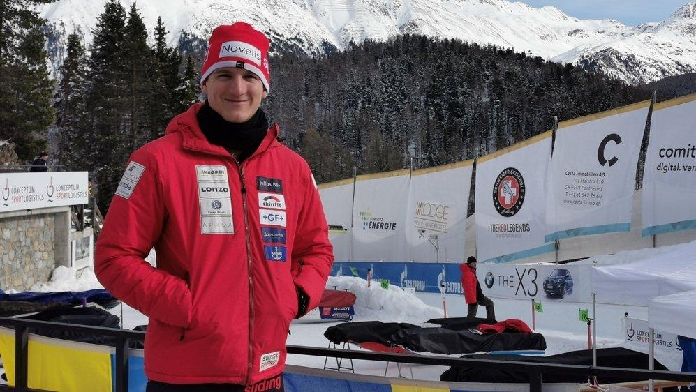 Michael Kuonen se prépare pour son premier départ en Coupe du monde comme pilote sur la piste de Saint-Moritz.