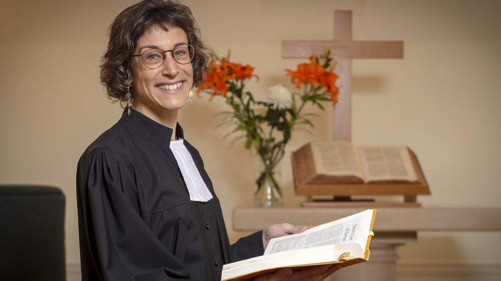 Première pasteure consacrée en Valais, après y avoir suivi l'entier de sa formation, Agnès Thuégaz travaille dans la paroisse du Coude du Rhône, à Martigny.