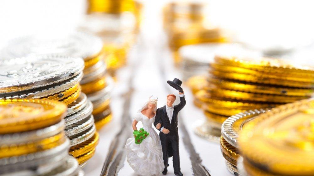 Pour Avenir Suisse, le fisc doit cesser de se soucier de savoir qui vit en couple et avec qui.