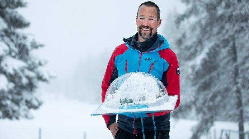Florent Massy s'est vu remettre le trophée du gagnant de l'émission «Gens d'hiver», vendredi soir à La Berra.