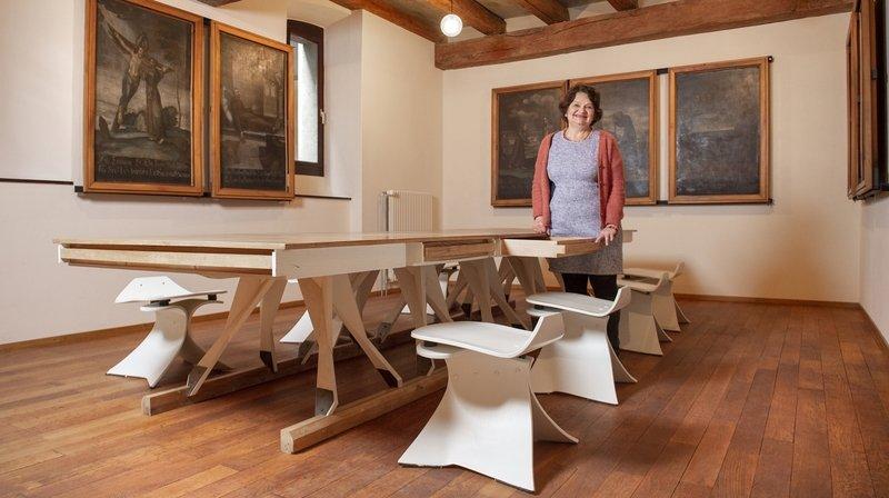 Marie-Laure Ravanne fera aussi visiter cette ancienne salle d'études meublée avec les chaises Joëlle.