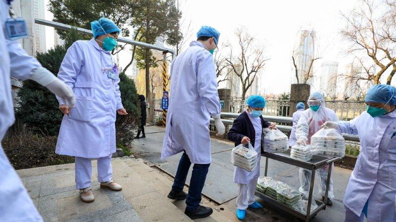 Coronavirus: le bilan s'alourdit à 259 morts, la Chine de plus en plus isolée
