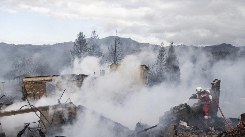 Zurich: une ferme détruite par les flammes à Bauma, plusieurs animaux morts