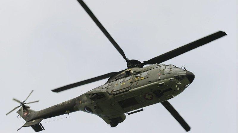Un hélicoptère Superpuma de l'armée a été engagé dans une opération de police mardi matin. (illustration)