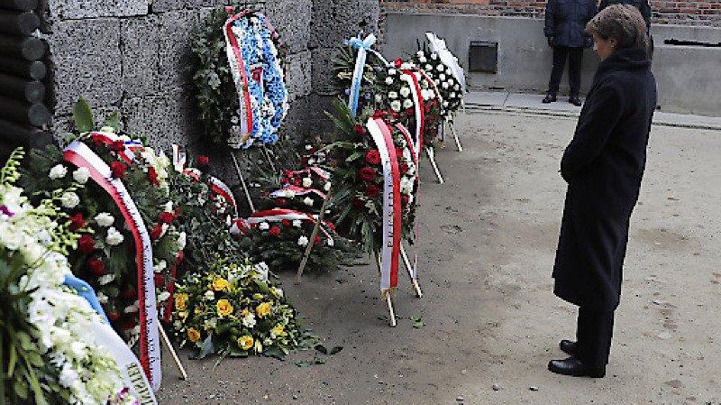 Libération d'Auschwitz: Simonetta Sommaruga rend hommage aux victimes de l'Holocauste