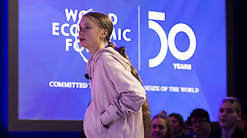 """Greta Thunberg a déploré à Davos que """"les émissions de CO2 n'ont pas diminué""""."""