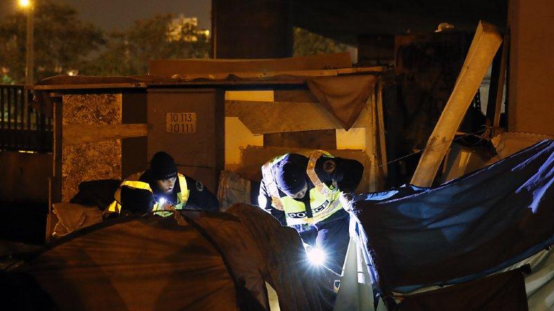 France: entre 900 et 1800 personnes évacuées d'un campement de migrants à la lisière de Paris