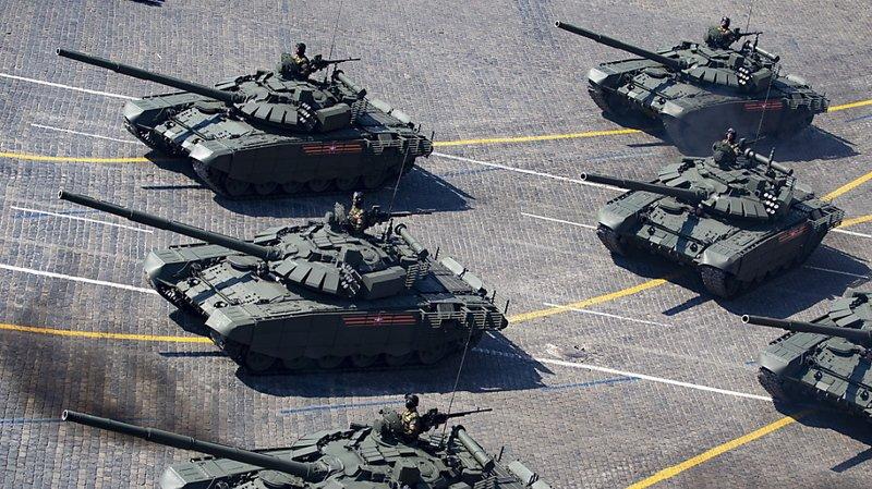 Les chars T-72B3 participent normalement au défilé militaire annuel organisé en mai sur la place Rouge à Moscou à l'occasion de la Fête de la Victoire sur l'Allemagne nazie (archives).