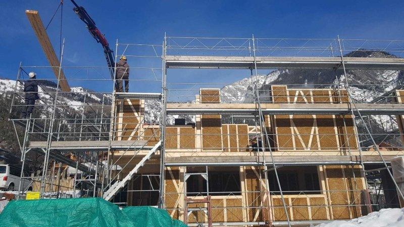 Le défi des Carron à Vollèges: les murs de paille pour construire durable et à bon prix
