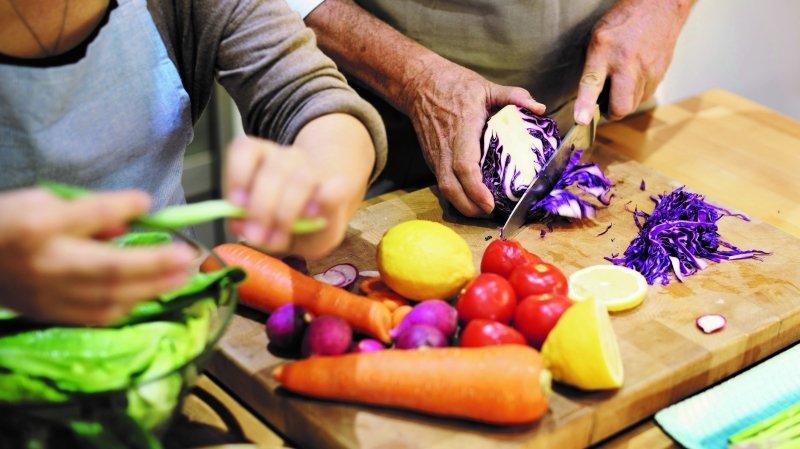 Le concours Fourchette gourmande allie le plaisir de cuisiner à la joie d'échanger entre les générations.