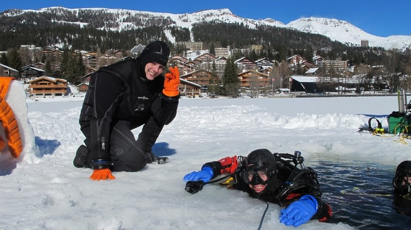 Astronautes en devenir, ils s'entraînent dans les eaux glacées de Crans-Montana