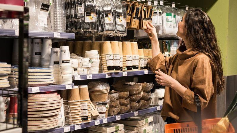 Migros supprime la vaisselle jetable en plastique de ses magasins
