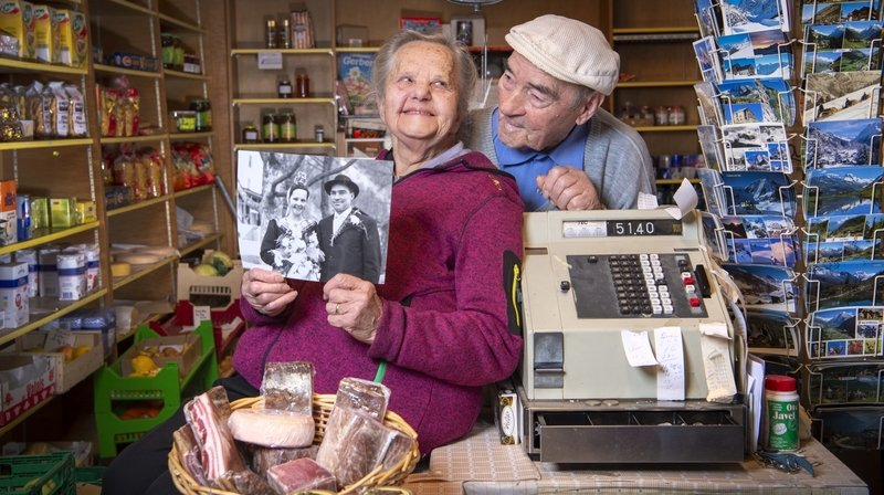 Saint-Valentin: épiciers, Yvonne et Maurice s'aiment au boulot