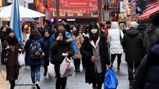 Coronavirus en Chine: les 11 millions d'habitants de Wuhan priés de ne pas quitter la ville
