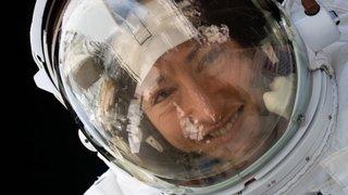 Une astronaute américaine de retour sur Terre après 11 mois, un record