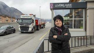 Viaduc de Riddes: les riverains voient passer 250 à 300 camions par jour devant leur porte