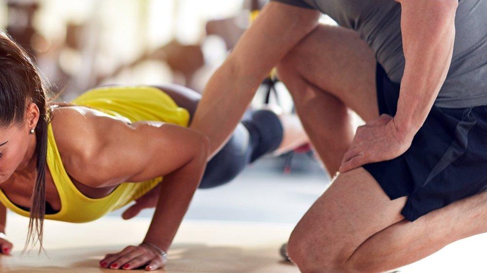 Les contacts entre moniteurs et jeunes athlètes sont réguliers dans plusieurs sports. C'est la limite qu'il faut définir.
