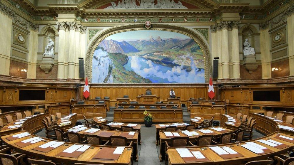 Branle-bas parlementaire, les sénateurs veulent siéger