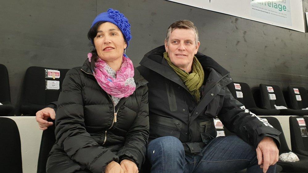 Christine Merola est un peu moins assidue que son mari, Didier, qui traverse volontiers la Suisse pour un match de hockey.