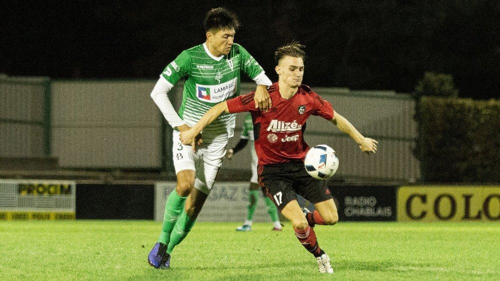 Yann Sierro, du FC Chippis en vert, et Bytyci Blendion, du FC Monthey 2, peuvent de nouveau s'affronter sur un terrain de football.