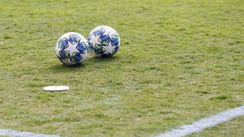 Les ballons sont en pause sur les terrains valaisans depuis vendredi.