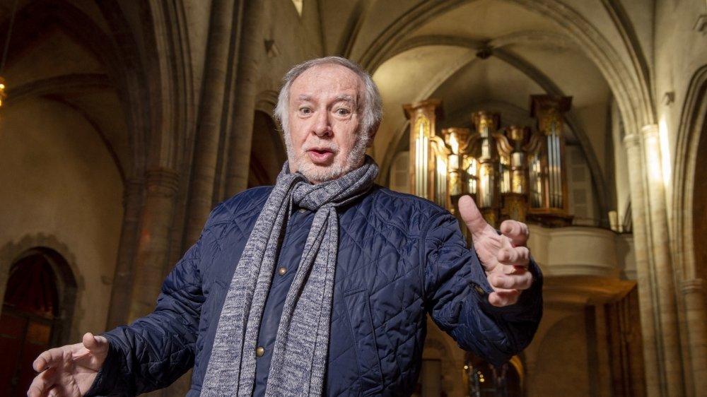 Pour chanter de la musique classique, une bonne technique de base est indispensable. Charles Gobelet prend chaque semaine des cours avec Jean-Luc Follonier, professeur aux conservatoires de Sion et de Fribourg.