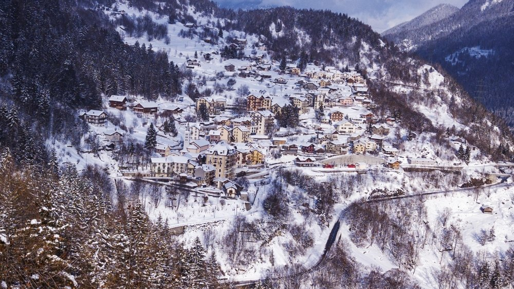 Regrouper Salvan, Finhaut et Trient permettrait de conserver l'identité de ces villages de montagne. Mais est-ce un choix judicieux étant donné qu'ils ne sont pas tous reliés par la route?