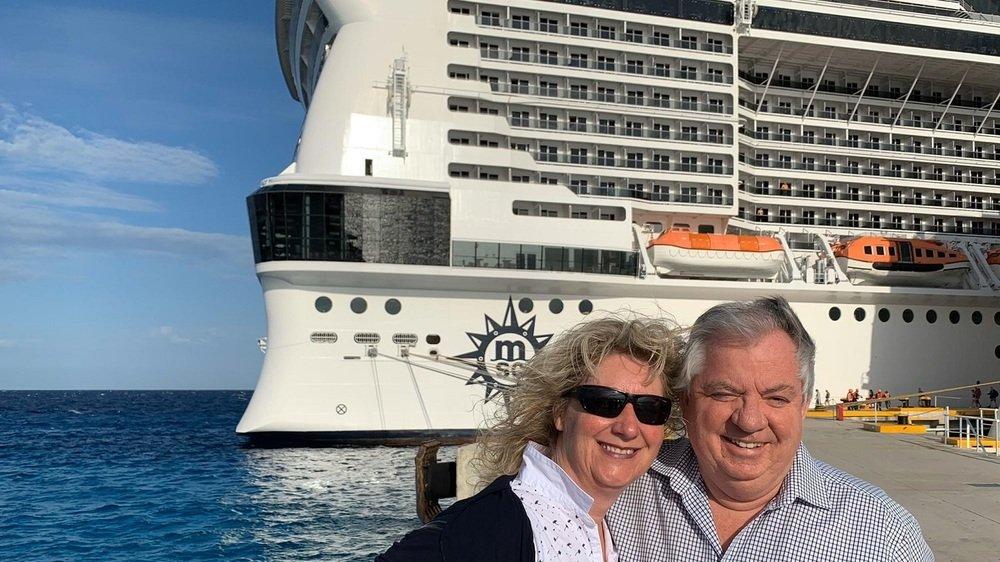 Enfin à terre! Embarqués pour une croisière dans les Caraïbes, Sylvie Meyer-Delaloye et son mari Jacques Meyer sont restés bloqués sur le paquebot «MSC Meraviglia» de dimanche à vendredi après-midi.