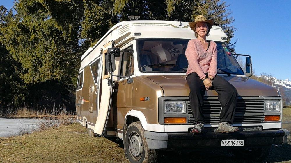 Ophélie Comina gare son camping-car dans des lieux paisibles, comme ici près de l'étang de Botyre.