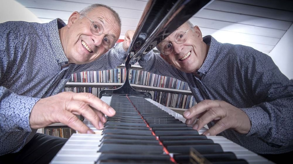 """Auteur-compositeur-interprète, Roland Sprenger n'a jamais organisé sa retraite. """"Je sais très bien ne rien faire. Je continue à vivre, à aimer, à jouer du piano et à écrire."""""""