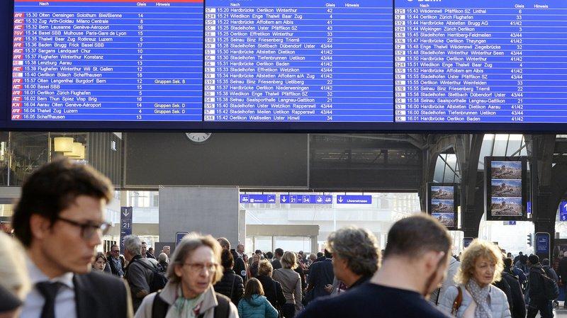 Actuellement, plus de 2,6 millions de personnes actives quittent leur commune de résidence pour se rendre au travail, et une personne sur cinq franchit même la frontière cantonale pour cela. (illustration)
