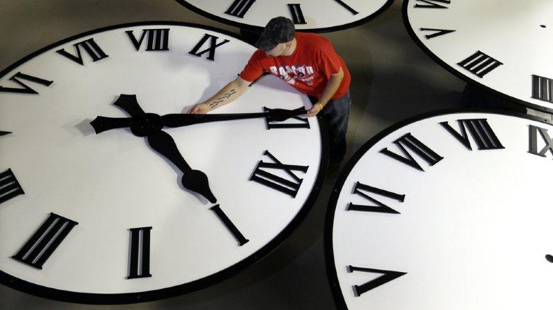 L'éventuelle abolition du changement d'heure annuel fait actuellement l'objet de discussions politiques, en particulier dans les Etats voisins. (illustration)
