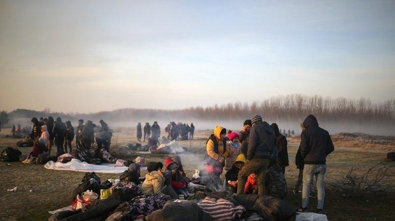 Depuis plus d'une semaine, des milliers de migrants attendent à la frontière turco-grecque.