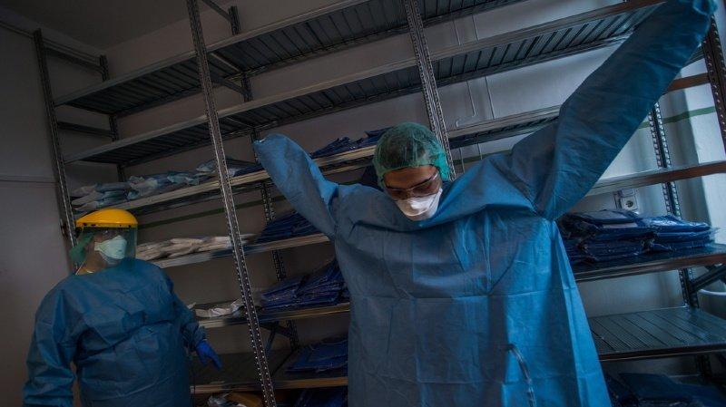 Coronavirus: le stock de masques et les combinaisons étaient prévus dans le 1er plan contre les pandémies