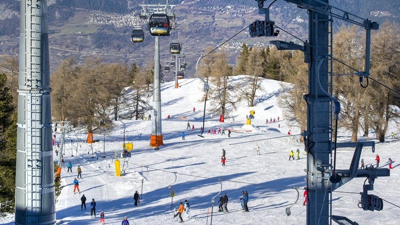 Le coronavirus arrête brutalement la saison de ski