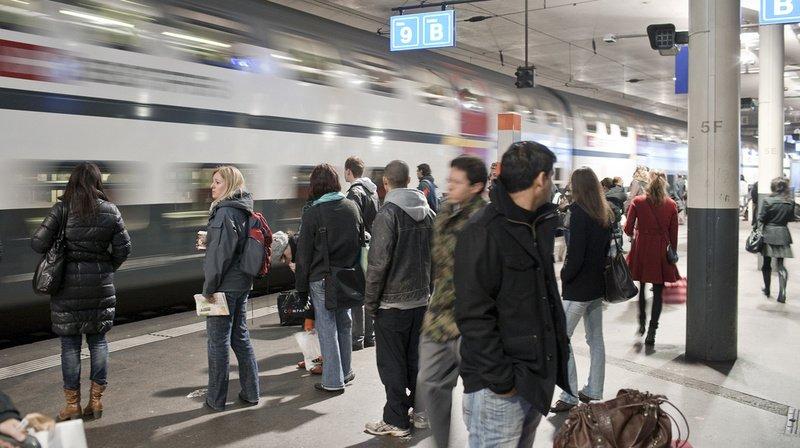 CFF: un voyageur reste coincé avec sa main dans la porte d'un train à Berne