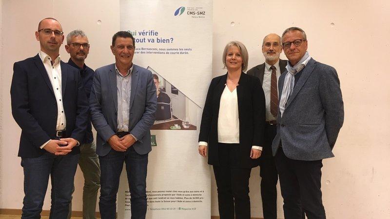France Udressy, directrice du CMS Bas-Valais, entourée de membres du comité de coordination et des responsables métiers (de g. à d.): Fabrice Thétaz, Hervé Schnorhk, Reynold Rinaldi, Pascal Gross, et Olivier Thétaz.