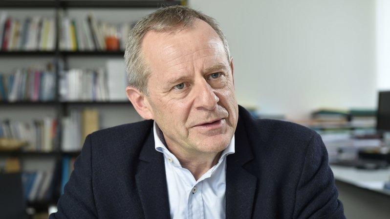 """Eric Bonvin, directeur général de l'Hôpital du Valais: """"Aujourd'hui, l'un des principaux problèmes est le chaos de l'information."""""""