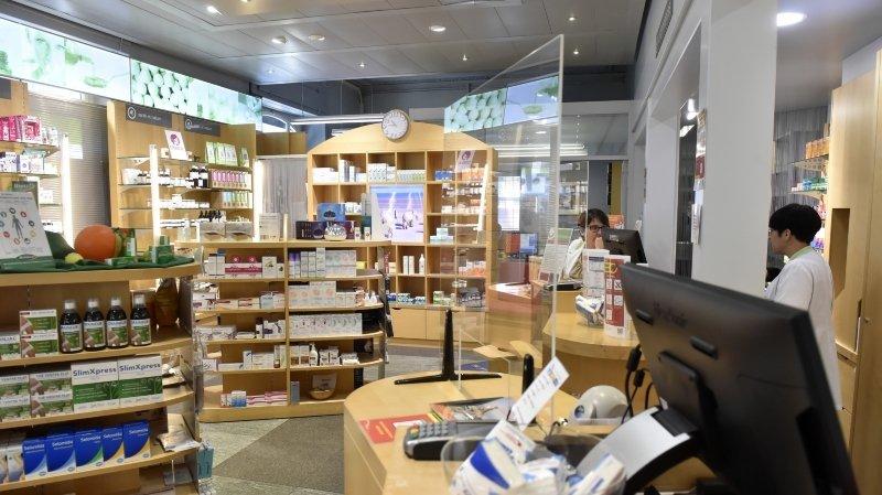 Coronavirus: les pharmacies protègent leurs employés et leurs clients