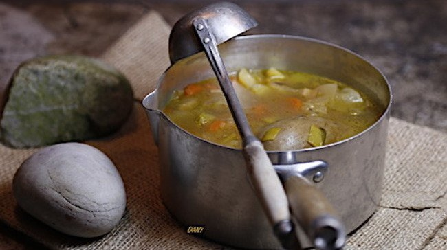 Le vendredi 28 février, les participants pourront préparer la soupe aux cailloux avant de la déguster avec leurs parents en soirée.