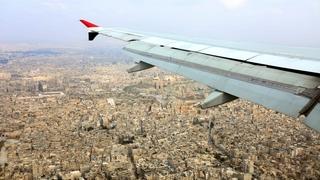 Après huit ans, un vol civil atterrit à Alep