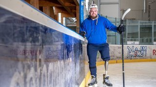 Hockey: amputé d'une jambe, Nicola Jezzone s'est remis à patiner